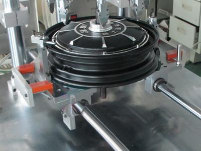 BYD汽车自动锁螺丝机的应用案例